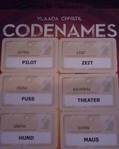 Bild: aufgedeckte Karten mit Begriffen