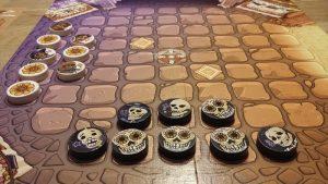 Bild: Spielfeld mit mehreren Spielsteinen