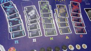 Bild: Spielfeld mit Spielkarten