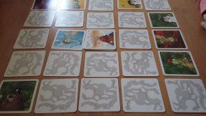 Bild: Spielkarten Memoaar, auf Tisch liegend