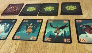 Bild: verdeckte und aufgedeckte Spielkarten