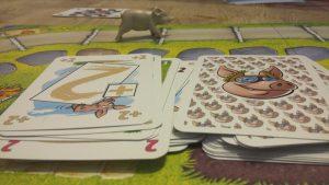 Bild: Spielplan mit aufgedeckten und verdeckten Spielkarten