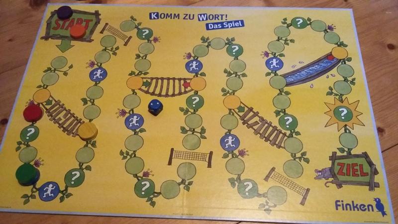 Bild: Spielfeld in gelb mit Start und Ziel