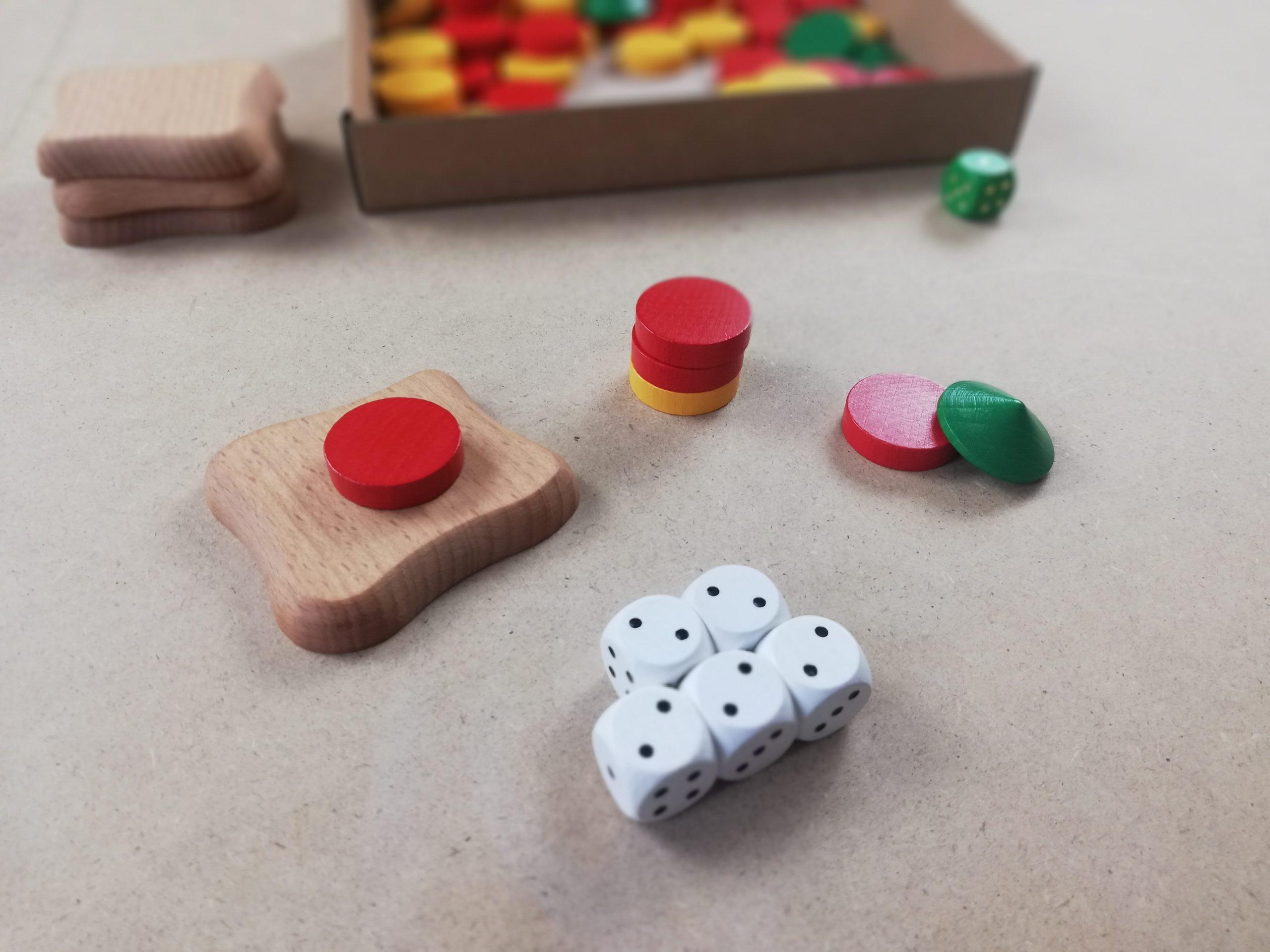 Superwurf (5gleiche Zahlen): Basis und Scheibe oder 3 Scheiben oder Scheibe und Dach