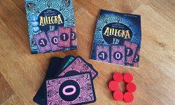 Spielkarton, Anleitung, Karten, rote Holzchips
