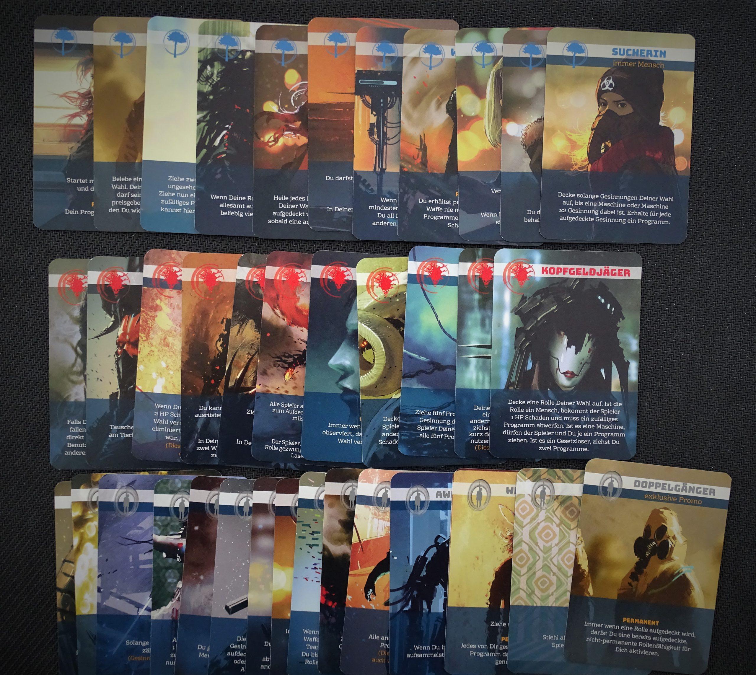 Das Spiel liefert für alle drei Fraktionen viele unterschiedliche Rollenkarten
