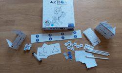 Zu sehen ist Artbox mit dem gesamten Spielmaterial.