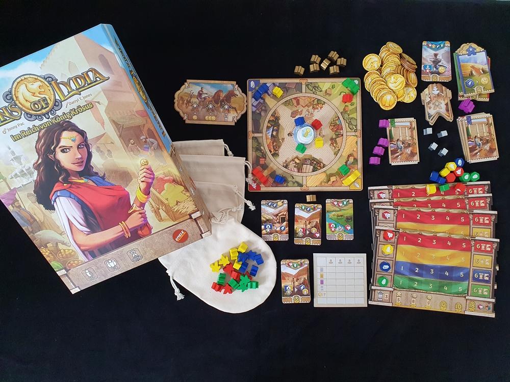 Spielkarton mit Inhalt