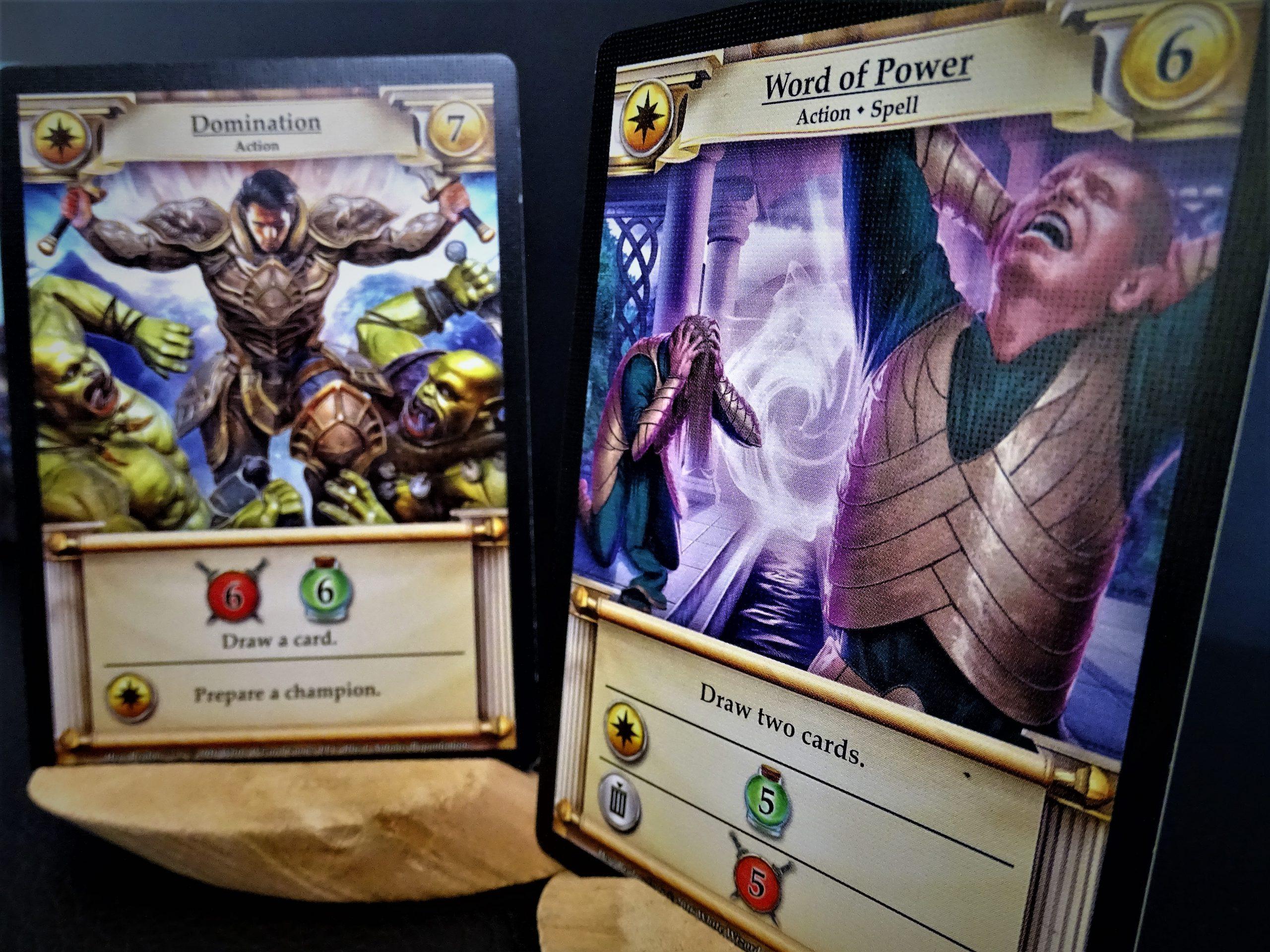 Zwei Karten gleicher Farbe setzen zusätzliche Aktionen frei.