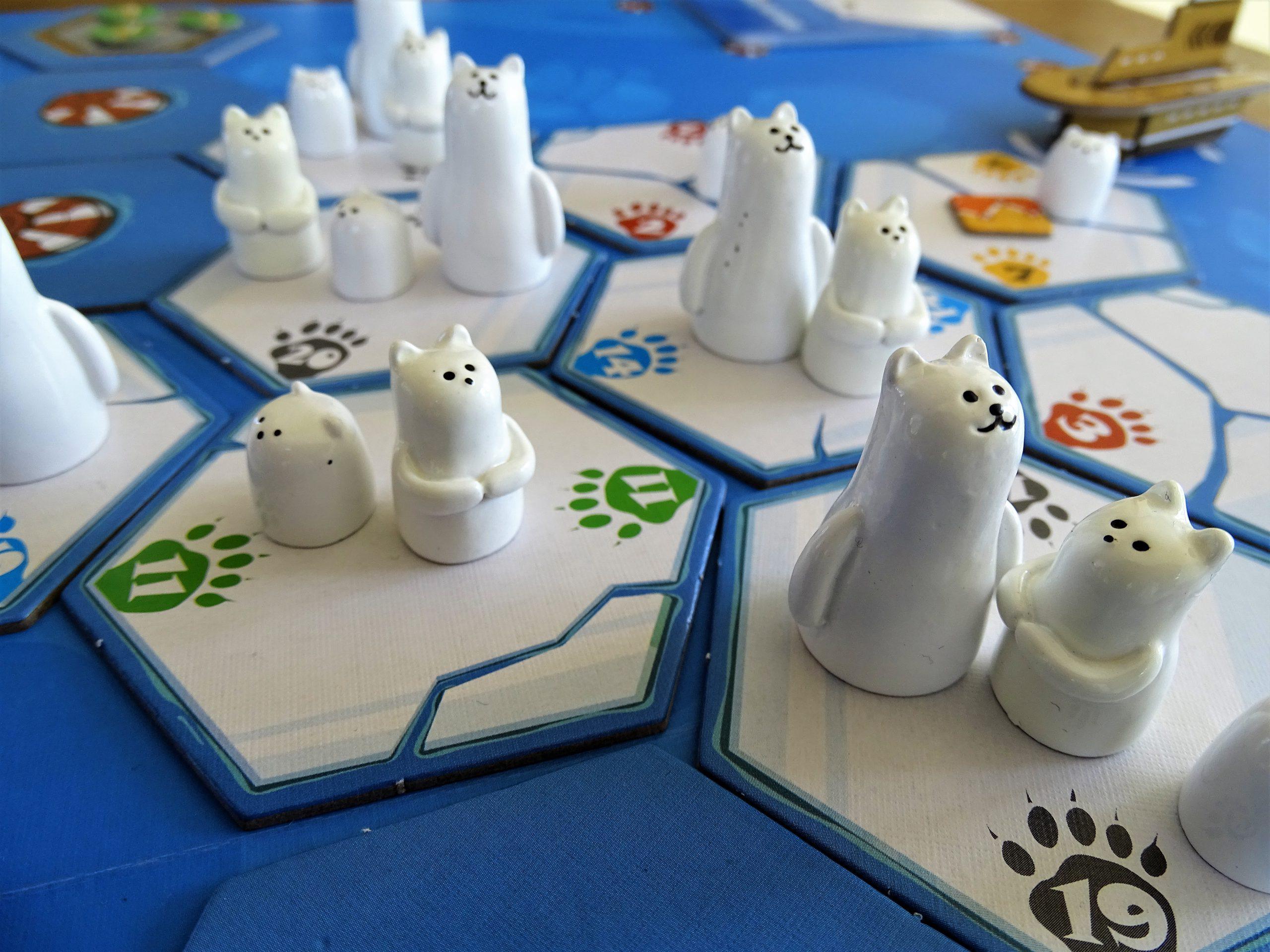 Die Eisbären erfüllen jedes Kindchenschema.