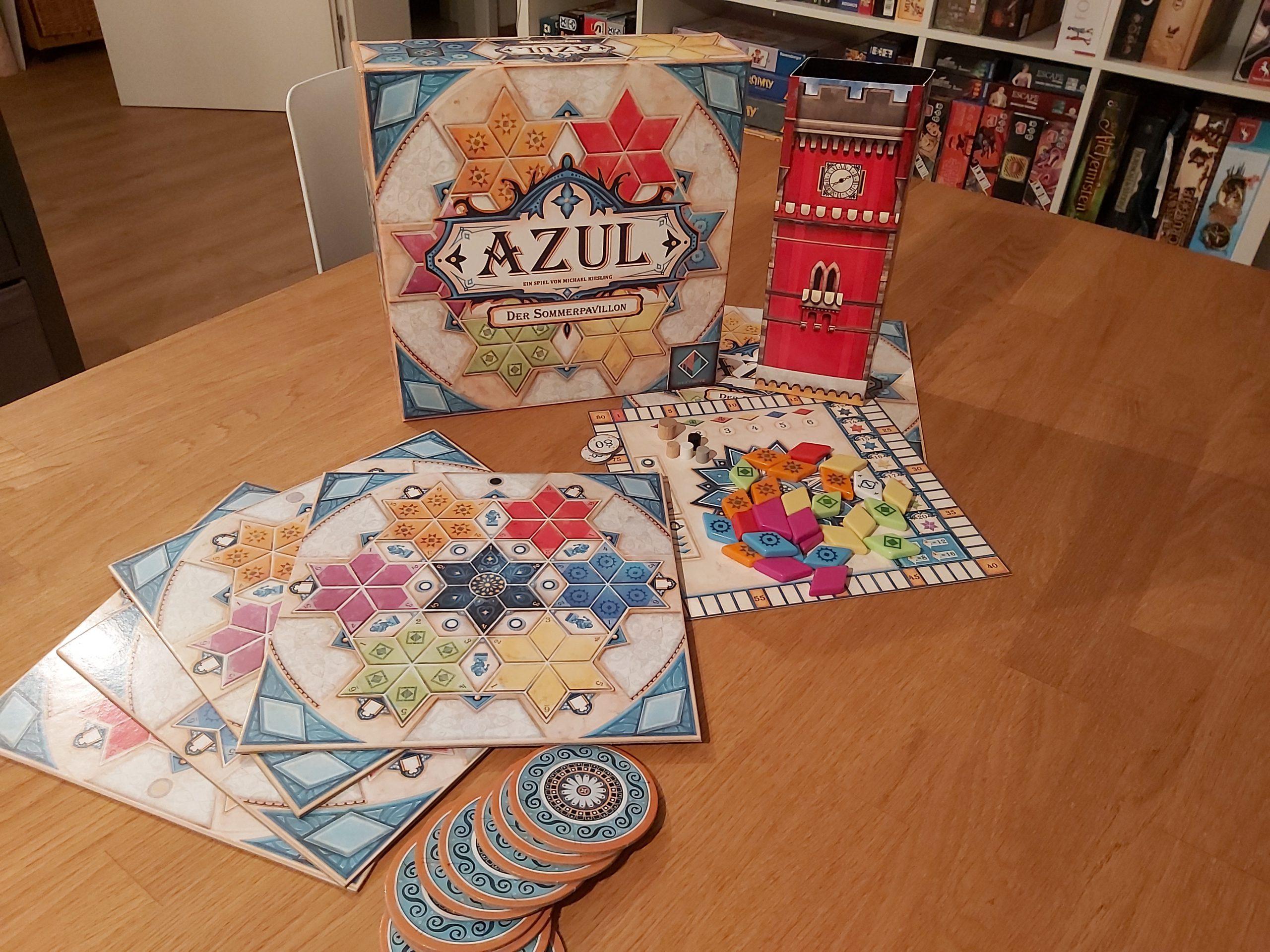 Zu sehen ist Azul der Sommerpavillon inkl. des gesamten Spielmaterials.