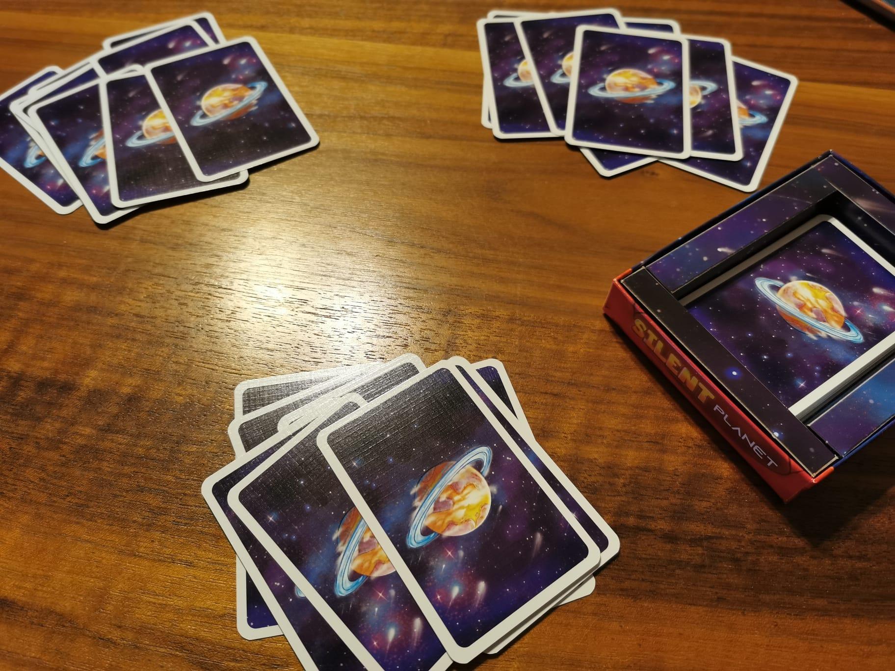 Silent Planet 9 Handkarten für jede:n