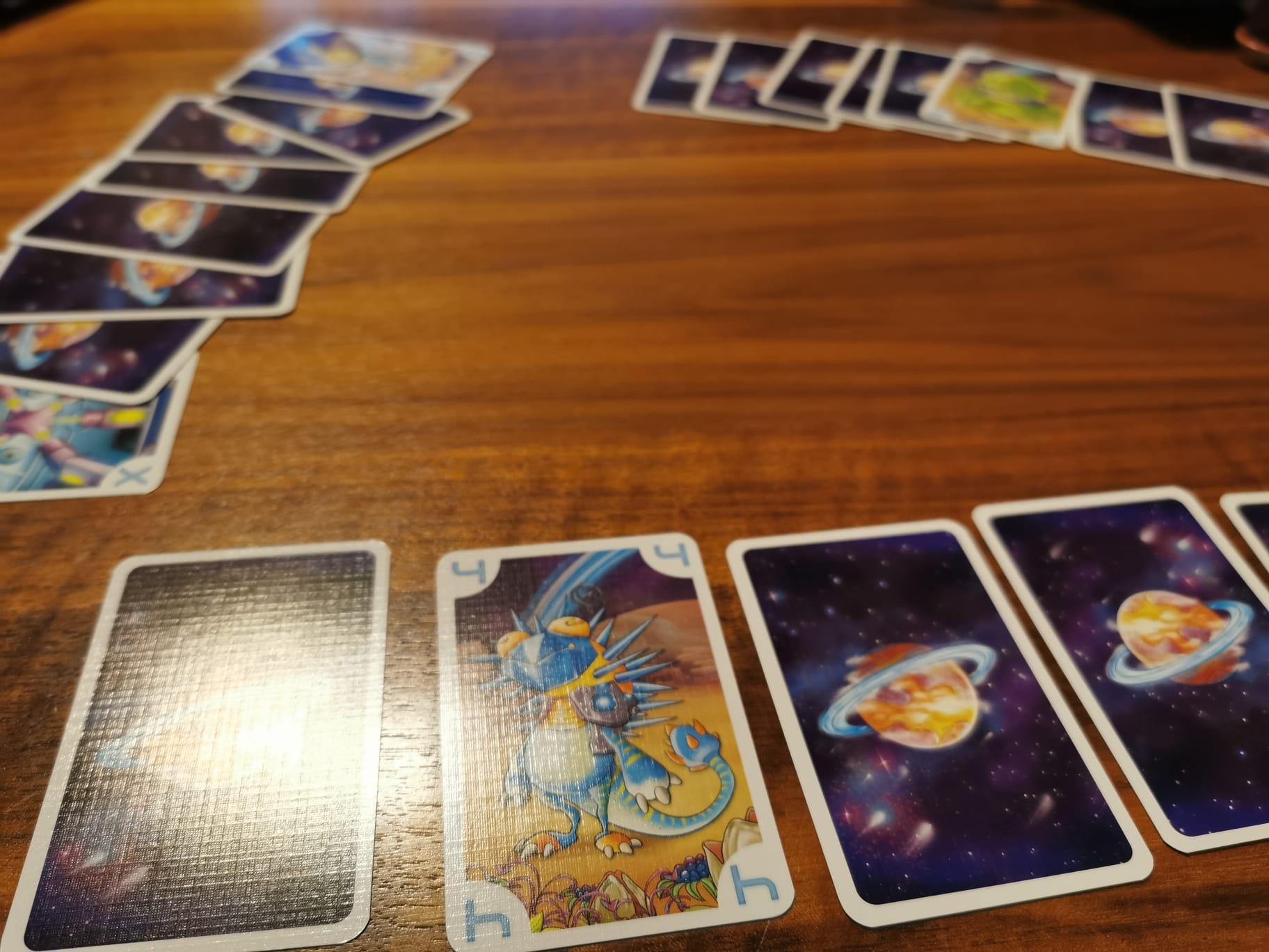 Handkarten auslegen und einzelne Karten aufdecken