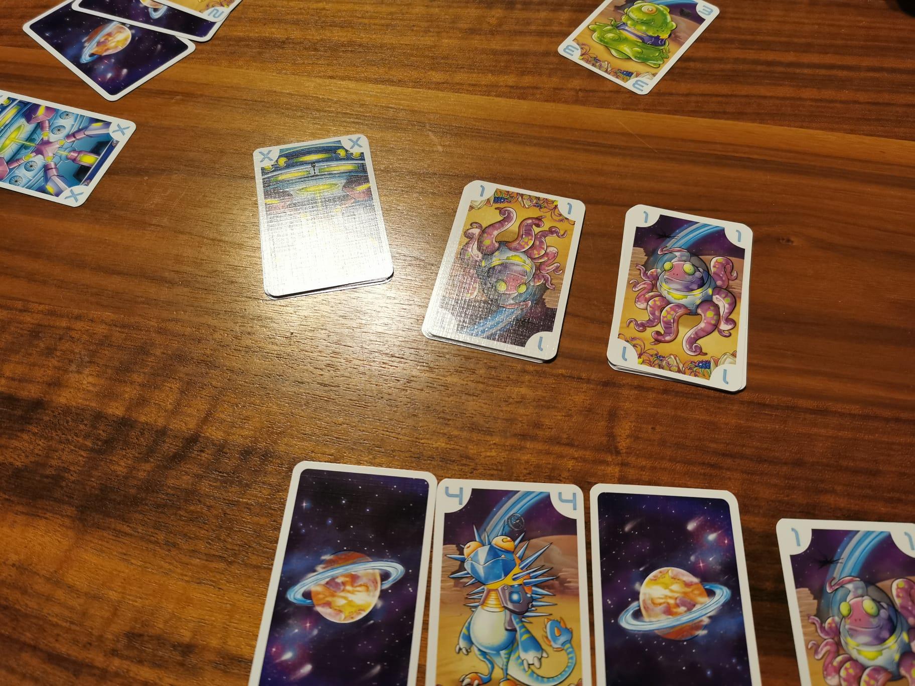 Silent Planet 3 Spieler = 3 Aienteams um zu gewinnen